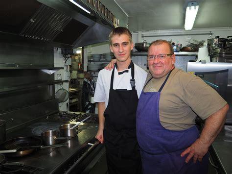 comie de cuisine comité des jumelages angoulême deux étudiants russes en