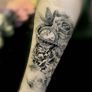 Tatouage Avant Bras Femme Fleur : tatouage ephemere fleur rose horloge avant bras kolawi ~ Farleysfitness.com Idées de Décoration