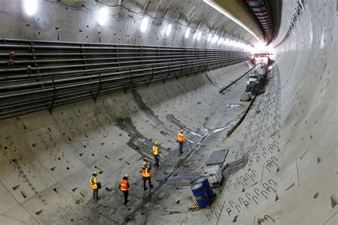 morning news roundup building   mile seattle tunnel