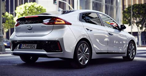 Discover The Hyundai Ioniq Specs Colours Hyundai Uk