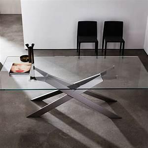 table de salle a manger design en verre et metal cross With table en verre italienne