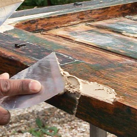 reparer un volet en bois bricolage r 233 parer ses volets et portail en bois prima