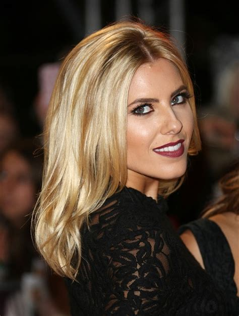 a long blonde hairstyle from the celebrity hairstyles