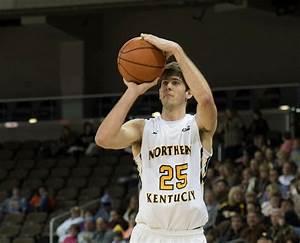 Murray's offensive outburst keys Northern Kentucky men to ...