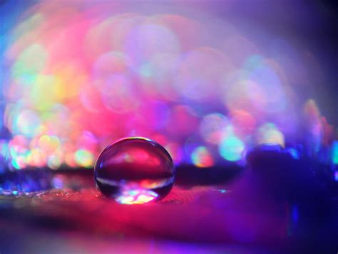 spellbinding water droplet macro photography  colorful