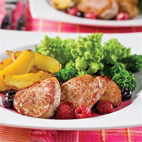cuisine au porto médaillons de porc au porto et petits fruits recettes cuisine et nutrition pratico pratique