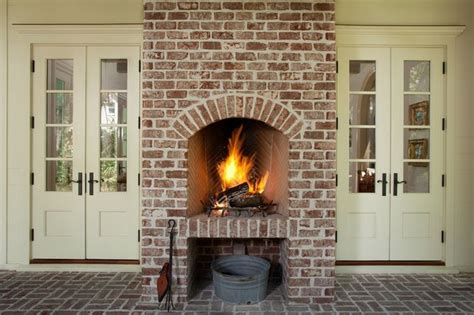 traditional porch  thomas thaddeus truett architect