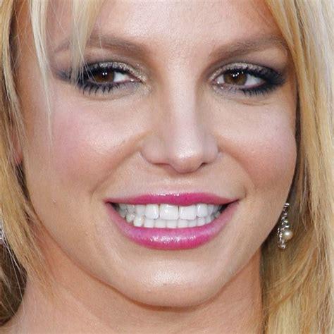 britney spears makeup gold eyeshadow taupe eyeshadow
