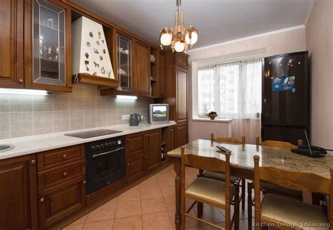 pictures of kitchens with cabinets 187 best small kitchens images on pictures of 9118