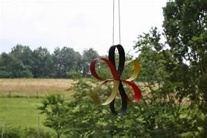 Basteln Für Den Sommer : materialwerkstatt fensterdeko f r den sommer blumen aus papierstreifen basteln fr hling ~ Buech-reservation.com Haus und Dekorationen