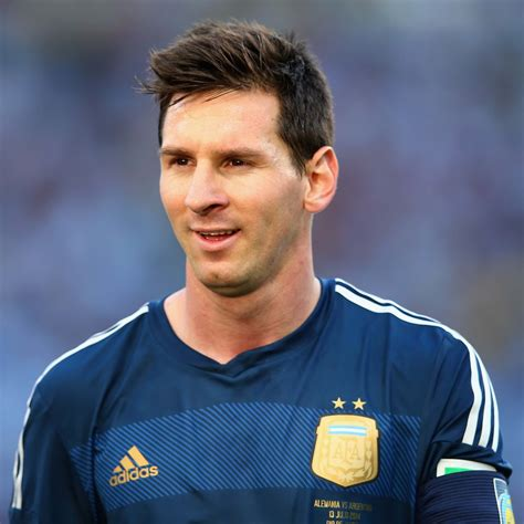 lionel messi biography soccer player lionel andr 233 s messi