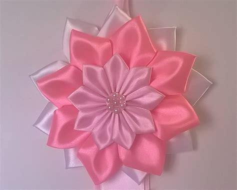 fiori nascita fiocco nascita bianco e rosa con fiori coccarda nascita