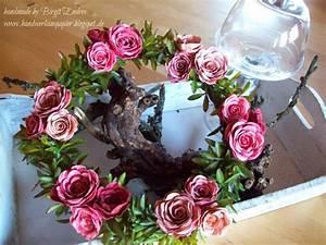 Rosen Aus Papier : 25 einzigartige rosen aus papier ideen auf pinterest rosen basteln blumen papier und blumen ~ Frokenaadalensverden.com Haus und Dekorationen