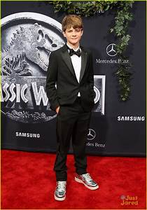 1000+ images about Ty Simpkins/Nick Robinson on Pinterest ...