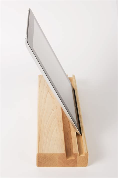 I Block Cutting Board with stand for board and tablet