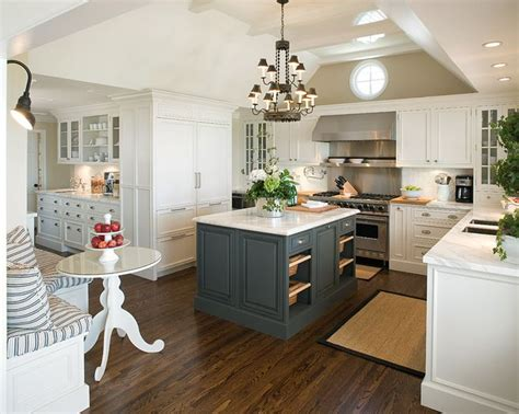 i adore everything about this kitchen the white cabinets