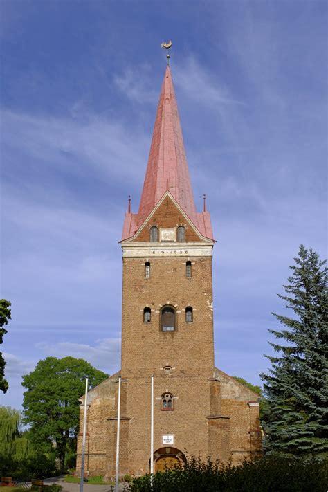 Jelgavas Sv. Annas luterāņu baznīca - redzet.eu