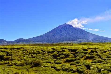 gunung terindah indonesia wajib dikunjungi