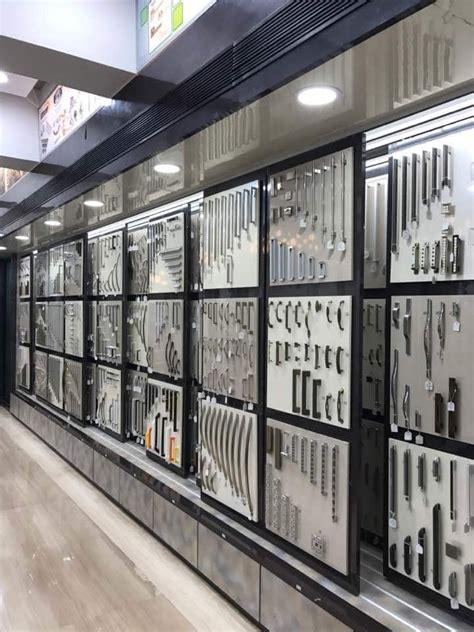 hardware handles display showroom sliding display