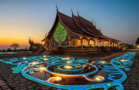 Thailand Temples: Buddhist Temple Etiquette