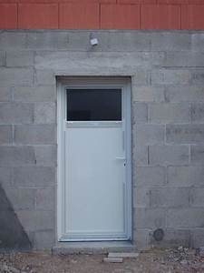 porte de service avec fenetre ouvrante dootdadoocom With porte d entrée pvc avec meuble salle de bain prix usine