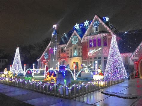 christmas light show  park ridge home features tribute