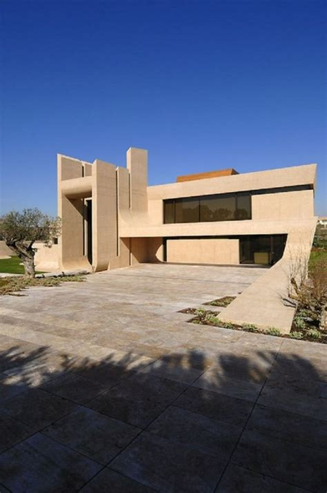 exotic modern house  madrid    cero architects