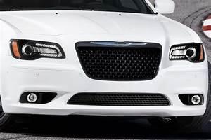 2012 Chrysler 300 SRT8 Brings the Thunder with 465HP 6 4