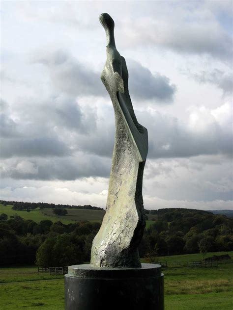 scale  sculpture  sixties  henry moore tate