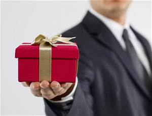 Tips for Corporate Gift Giving