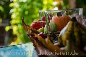 Herbst Tischdeko Natur : herbstdekoration auf rinde basteln und dekorieren ~ Bigdaddyawards.com Haus und Dekorationen