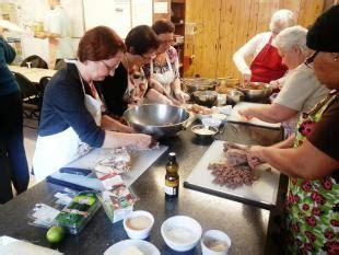 cuisine collective l autonomie alimentaire encore une affaire de femmes