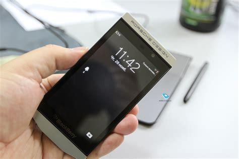 Mobile-review.com Обзор Blackberry P9982 Porsche Design