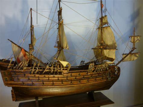 le de bureau laiton bateau a voiles quot galion quot maquette en bois la licorne