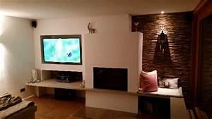 Wohnzimmer Wand Holz : wohnzimmer wand holz beleuchtet 640x360 bs holzdesign ~ Lizthompson.info Haus und Dekorationen