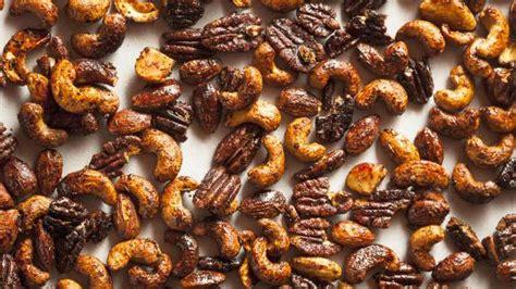 Voir plus d'idées sur le thème zeste, recette, cuisine. Recette de noix caramélisées de Noël | Zeste | Recette ...