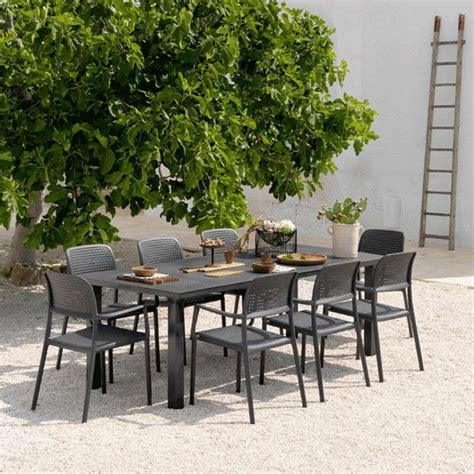salon de jardin en polypropyl 232 ne et aluminium levante bora 4 pieds tables chaises et