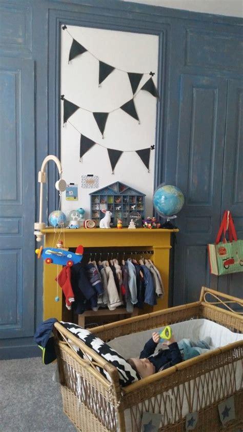chambre bleu et jaune chambre d 39 enfant couleurs bleu et jaune moutarde mixte