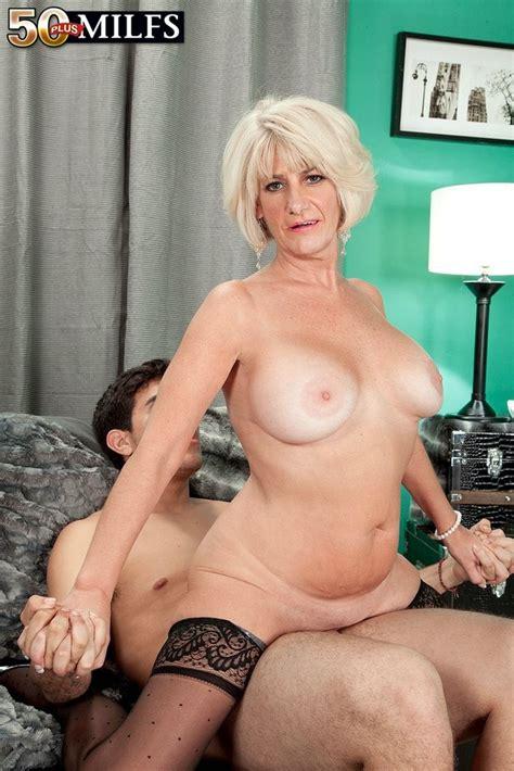 Hot mature Desire Collins fucked in black nylons - Pichunter