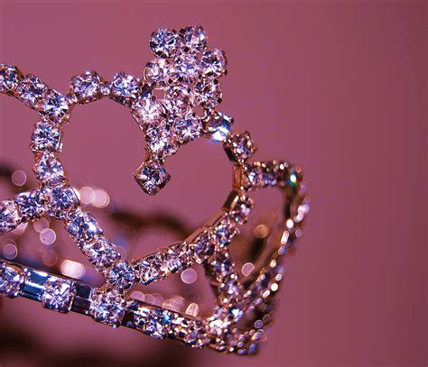tourwrist polishes  travel tech tiara