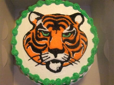 Tigger Birthday Cake Template by Tiger Cake Ideas Pictures To Pin On Pinterest Pinsdaddy