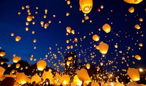 lanterne volanti piccole notte delle lanterne volanti a sesto san eventi a