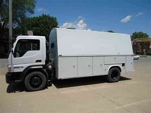 Ford Lcf Tall Enclosed Kuv Bed  2006    Utility    Service