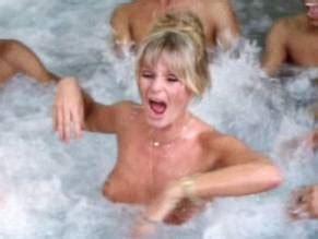 Valerie Perrine  nackt