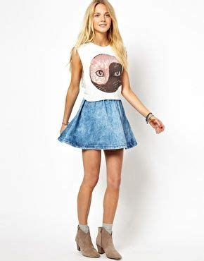 17 Best images about Denim Skater Skirt Outfits on Pinterest | Midi skater skirt Denim skater ...