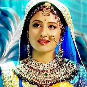 Paridhi Sharma Height, Weight, Age, Affairs, Wiki & Facts