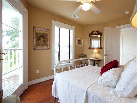 Guest Bedrooms : 12 Cozy Guest Bedroom Retreats