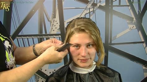 She wanted to get a short cut and decided a chelsea haircut stlyle. Chelsea Hair Cut, that's what I want!!! Naomi's new ...