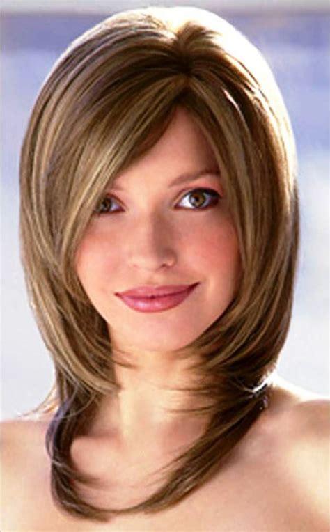 30 Medium Length Hairstyles For Women Elle Hairstyles