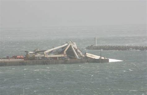 pe gantry crane collapse  oct  port elziabeth
